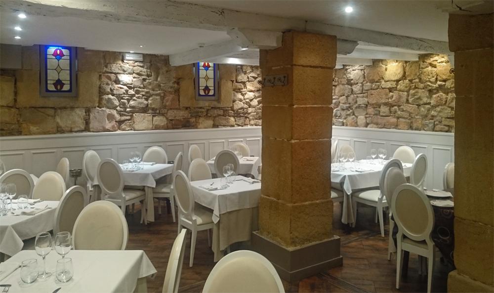 Vista de una parte del comedor Restaurante Zumeltzegi