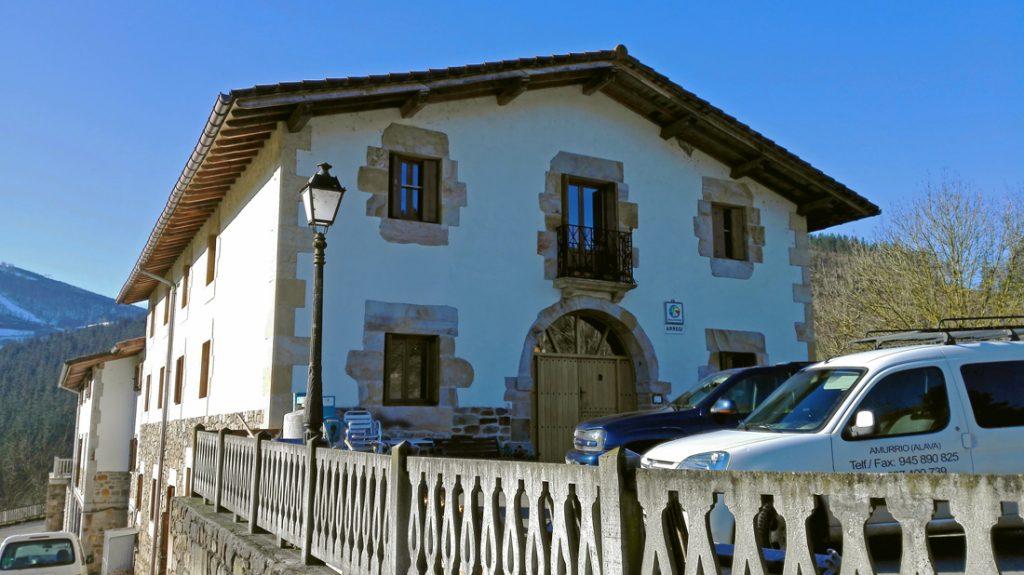Fachada principal de la Casa Rural Arregi