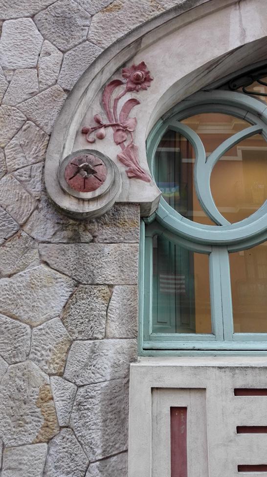 modernismo-ventana-detalle-lavadero-castaños-bilbao